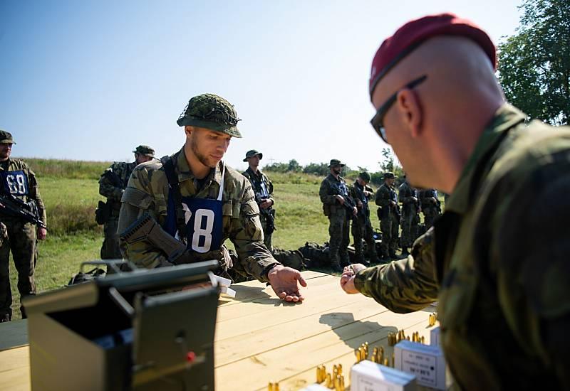 Část výběrového řízení k průzkumným jednotám 4. brigády rychlého nasazení v Žatci.