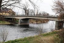 Most Nikose Belojannise v Žatci se bude opravovat.