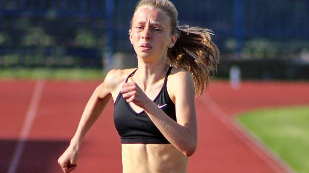 Lounská Helebrantová zaběhla 400 metrů za 61,48 vteřiny