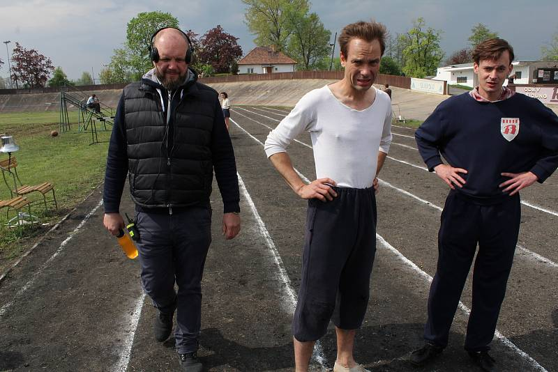 V Lounech se natáčel snímek Zátopek v roce 2019. Slavného běžce hraje Václav Neužil, režisérem je David Ondříček.