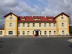 V Postoloprtech byla slavnostně zakončena oprava nádražní budovy