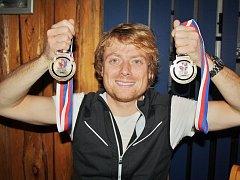 Opora žateckých nohejbalistů Ondřej Vít opanoval světový šampionát v Brně. Vybojoval tam zlatou medaili v singlu, pak byl navíc tahounem také zlaté trojice na mistrovství světa v roce 2016.
