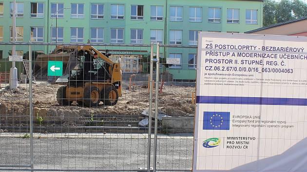 Rekonstrukce školy v Postoloprtech.