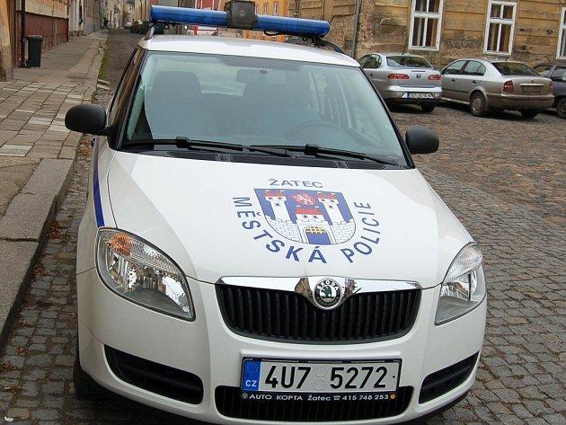 Auto žateckých strážníků, ilustrační foto.