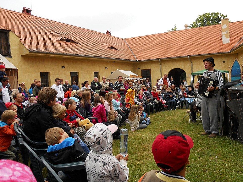 Dětský den na zámku Nový Hrad v Jimlíně