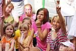 Děti si užily vystoupení kouzelníka