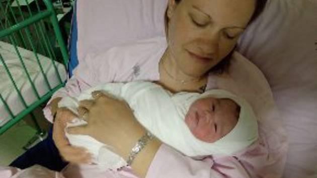 Vanesa Fraňková se narodila mamince Ivetě Fraňkové ze Žatce 12. května ve 4.20 hodin. Vážila 3,06 kg, měřila 46 cm.