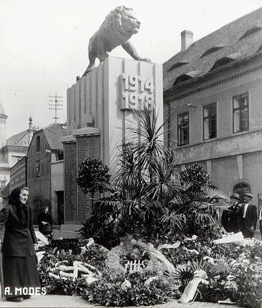 Pomník obětem první světové války vŽatci na místě dnešní nejmenší chmelničky.