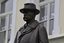 Slavnostní odhalení nové sochy TGM v Lounech