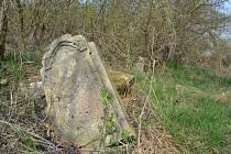 Hřbitov v Hradišti na Žatecku.
