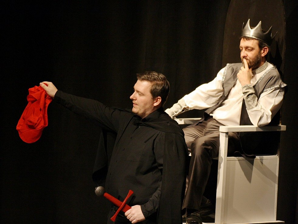 Loni diváci viděli například drama Pařížský kat v podání 2K projektu s herci ze souborů z Kadaně a Klášterce