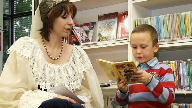 Pasování na čtenáře v lounské městské knihovně