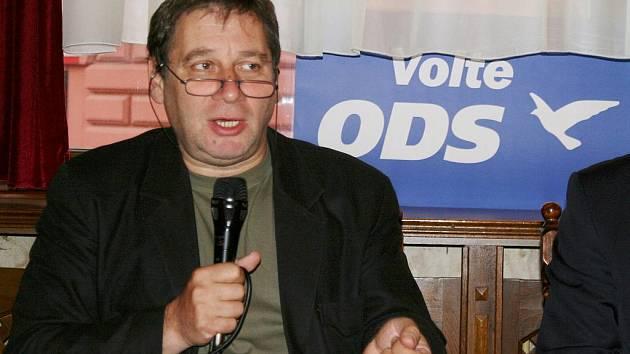 Tomáš Töpfer na besedě v Lounech