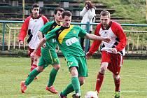 Souboj Žatce (v zeleném) a Postoloprt vyzněl lépe pro fotbalisty Slavoje.