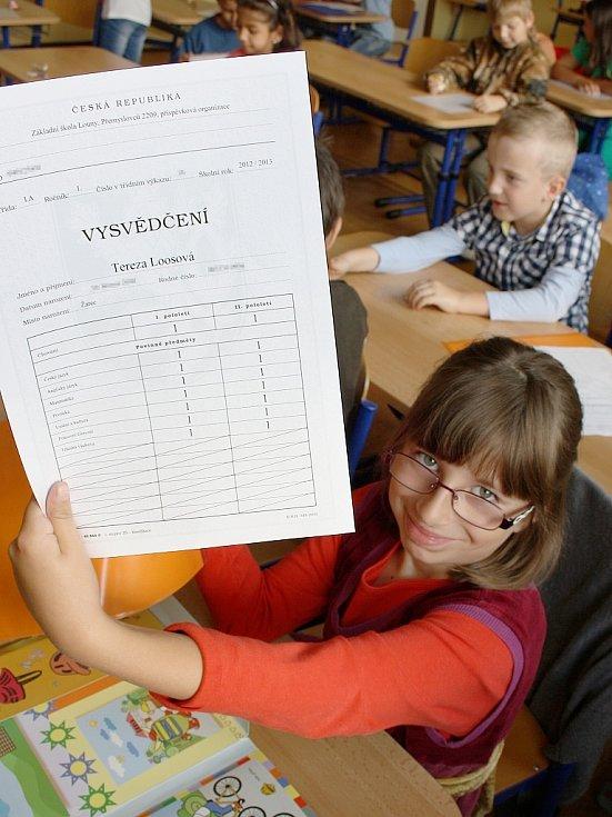 Předávání vysvědčení v I.A lounské základní školy Přemyslovců