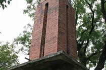 Husova zvonice v Lenešicích