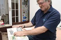 Jaroslav Rychtařík z Loun je vášnivým sběratelem pohlednic. Jeho sbírka čítá na 80 tisíc kusů. V posledních letech se soustřeďuje na pohledy Loun a okolí, kterých má téměř šest tisíc.