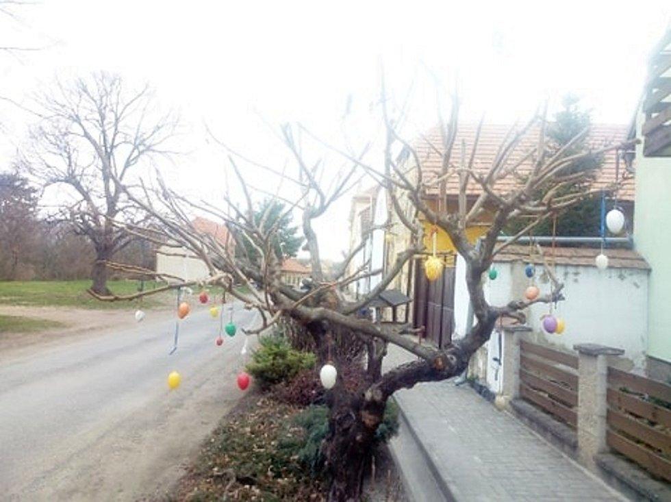 Velikonoční výzdoba v Pátku.