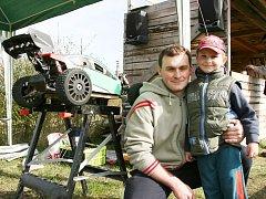 Marek a Honzík Kubinovi z domácího RC Off-Road Team Louny.