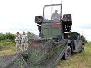Američtí vojáci se systémem Avenger na Doupově