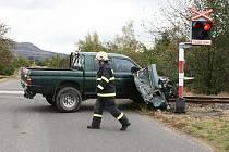 Srážka vlaku s terénním automobilem na přejezdu v Dobroměřicích