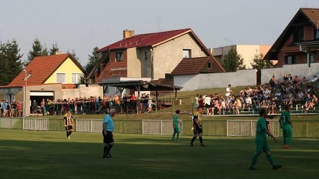 Fotbalový stadionek ve Vroutku.