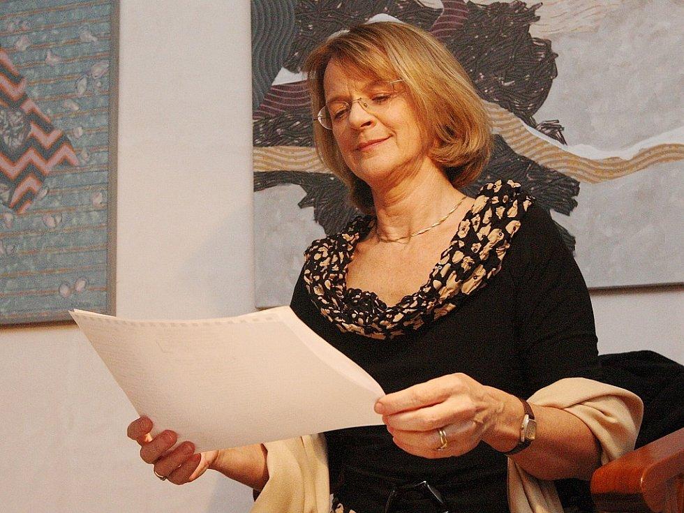 Herečka Taťjana Medvecká přednášela verše slavných českých básníků