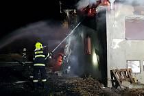 Požár budovy v zemědělském areálu v Záhoří u Žatce.