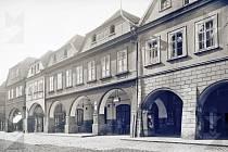 Jak se na začátku 20. století žatecký hotel nazýval?