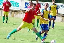 Utkání fotbalistů Žatce (v červeném) proti Klášterci