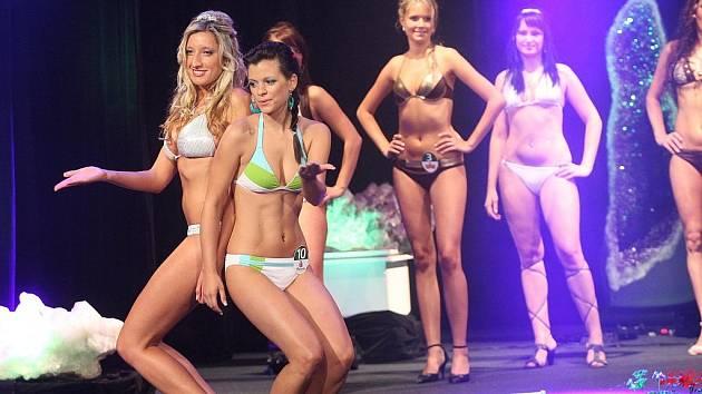 Finálový galavečer soutěže Miss zlatého moku 2009 v žateckém divadle