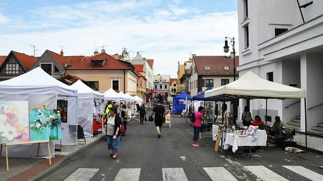 Jarmark vJakoubkově ulici v Lounech