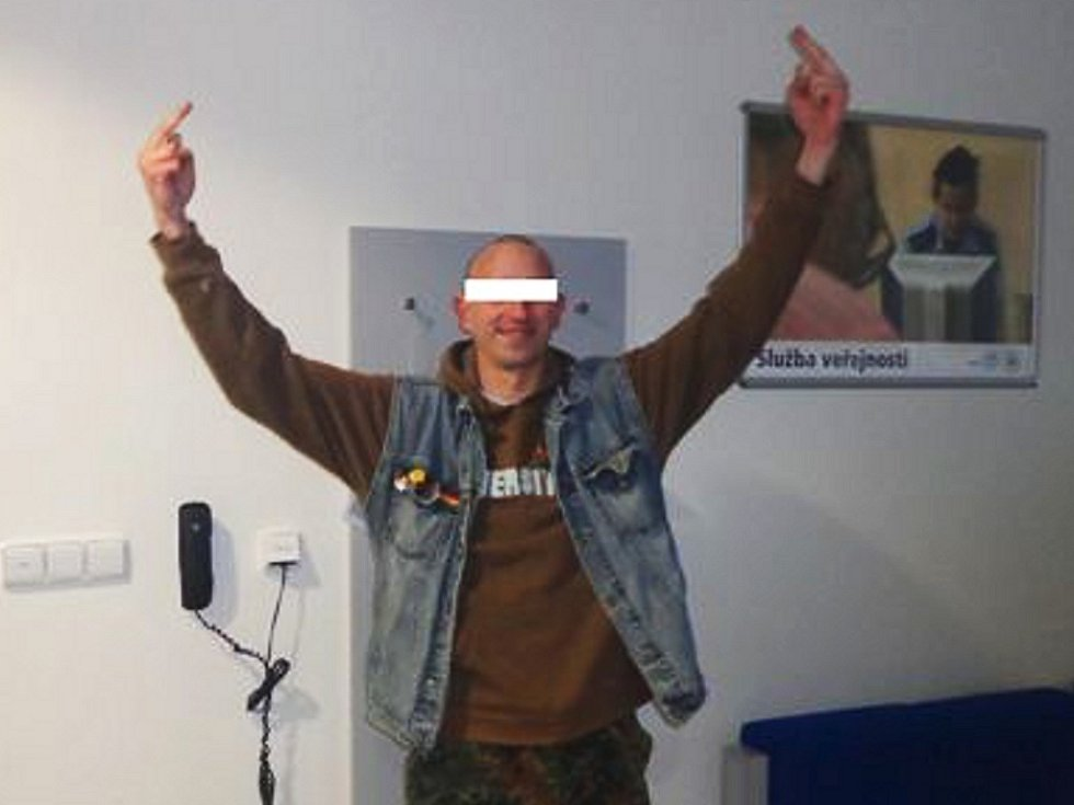 Mladík byl na služebně městské policie rozjařený