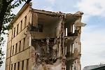 Bourání štábních budov v bývalých kasárnách, 2010.