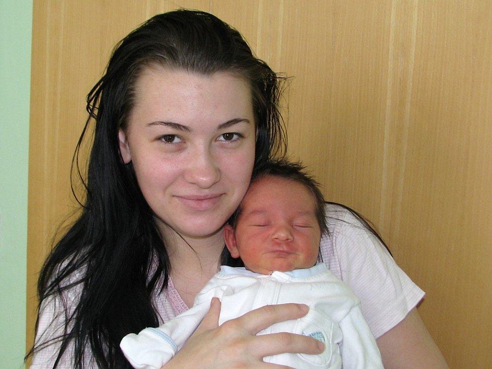 Mamince Martině Řehákové ze Žatce se 2. května 2015 ve 14.50 hodin narodil synek Roman Řehák. Vážil  3650 gramů a měřil rovných 50 centimetrů.