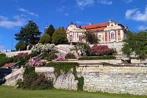 Víkend otevřených zahrad proběhne na zámku Stekník.