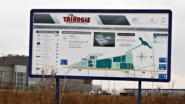 Vjezd do průmyslové zóny Triangle z východní strany.