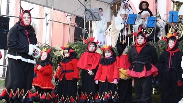 Advent očima dětí na Novém Hradě v Jimlíně