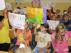 Finále pěvecké soutěže v Základní škole Lenešice