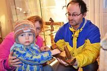 Josef Laun, Hana Launová a synek Roman Laun při návštěvě lounského muzea