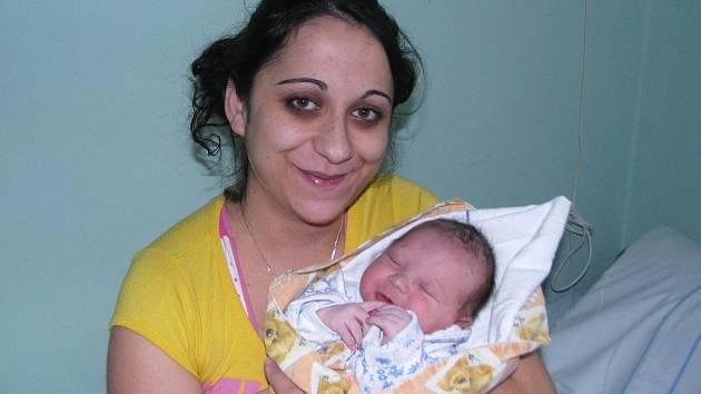 Mamince Petře Šulikové ze Žatce se 21. ledna 2014 narodil synek Lukáš Darvaš. Vážil 3780 gramů a měřil 52 centimetrů.