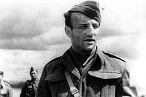 V Lounech si v pátek připomenou 108. výročí narození hrdiny bojů u Sokolova, kpt. Otakara Jaroše.