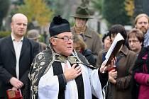Lounský děkan Werner Horák při setkání při Památce zesnulých v roce 2013
