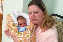 Mamince Veronice Matějíčkové z Podbořan se 21. dubna ve 14:23 hodin narodil syn Petr Oertl. Vážil 3,025 kilogramu, měřil 52 centimetrů.