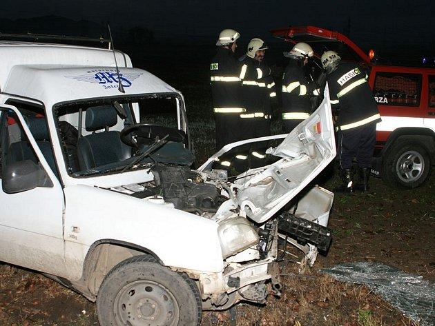 Vážná nehoda u Počerad se stala ve středu 12. listopadu. Vyžádala si tři zraněné.