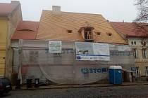 Rozsáhlou rekonstrukcí prochází například Mederův dům na náměstí 5. května.