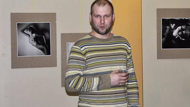 Petr Žižák na slavnostním zahájení své výstavy v Lounech