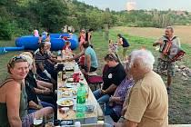 Okrašlovací spolek ve Stroupči připravil na závěr prázdnin jednu z mnoha akcí.
