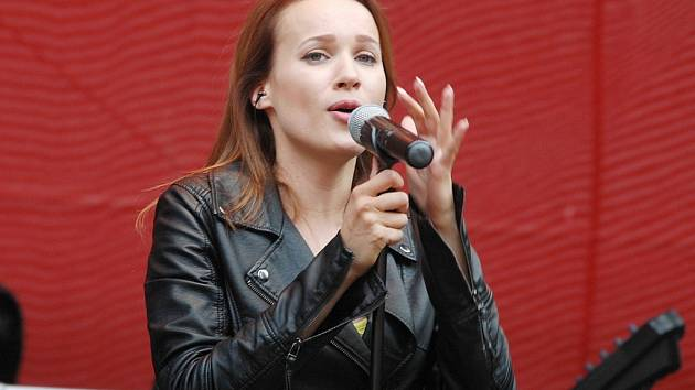 Kristina zazpívá v sobotu večer v Podbořanech. Proslavila se svým hitem Horehronie v soutěži Eurovision Song.