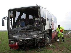 Poničený autobus